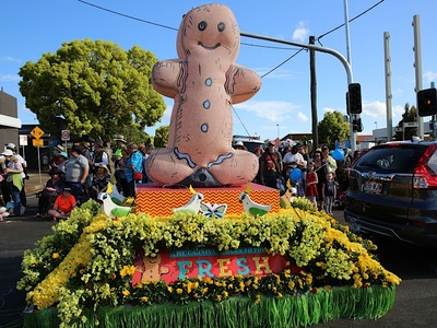 Inflatable Gingerbread Man Parade Inflatable