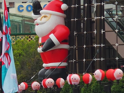 Inflatable Santa Rooftop Promotional Decoration